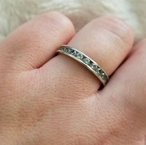 Silver Band with Wrap-around Stones size 7